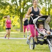 Retrouvez la forme en faisant de l'exercice avec bébé