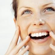 Souriez, grâce au blanchiment des dents!