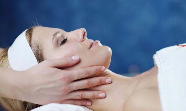 Des remèdes efficaces contre l'acné de l'adulte | Trucs