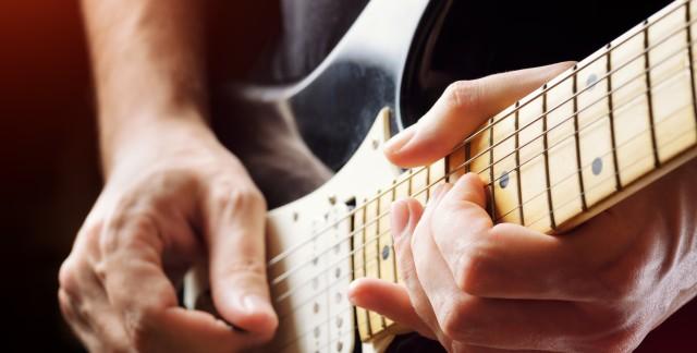 2 façonssimples d'accorder une guitare électrique