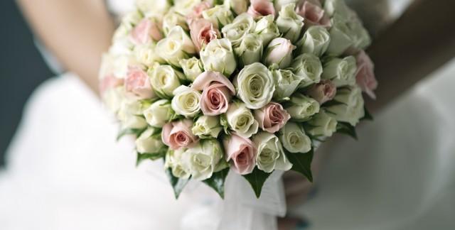 Les parfaits bouquets de mariage se trouvent chez le fleuriste