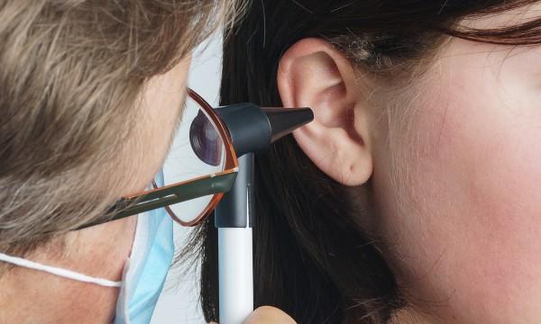 Comment se d barrasser d 39 une infection de l 39 oreille - Comment soulager un coup de soleil rapidement ...