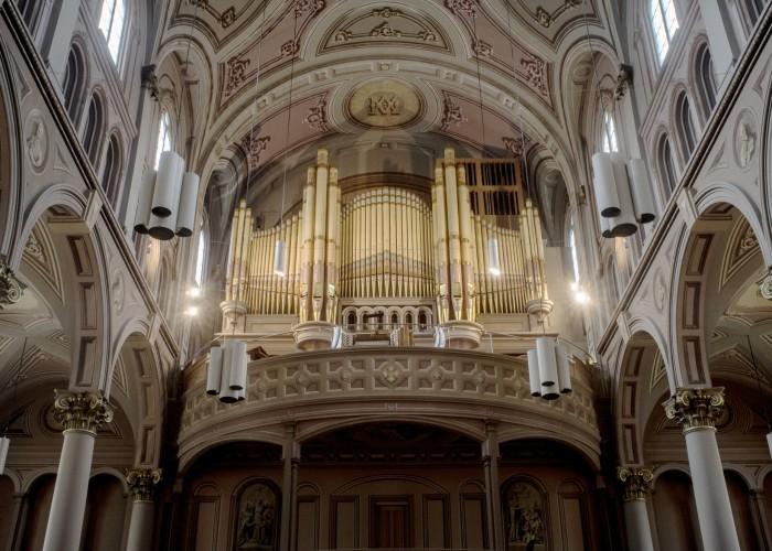 Le magnifique orgue que l'on retrouve dans l'église.