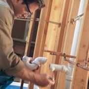 Le plombier, le pro des tuyaux