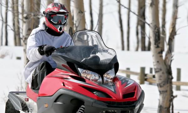 4 provinces géniales pour faire de la motoneige cet hiver