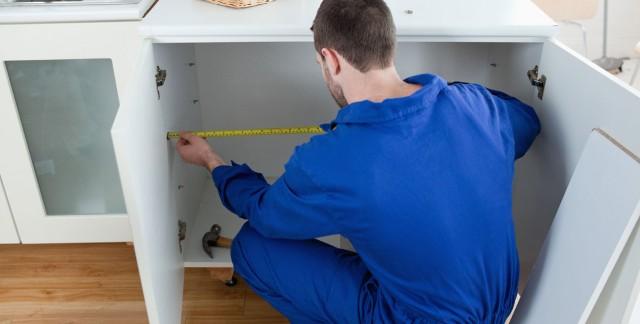 Comment les armoires de cuisine sont-elles fabriquées?