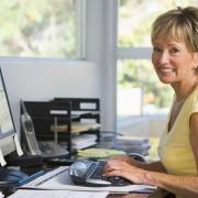 Comment se sentir à l'aise àtravailler à un bureauavec l'arthrite