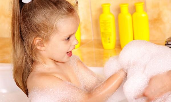 4 produits de bain naturels faits maison pour une peau for Bain moussant fait maison