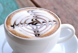 Boissons décadentes : café latte et cappuccino maison