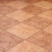 5 conseils pour le nettoyage des carreaux en céramique