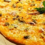 Le souperce soir : pizzaaux palourdes et saumon grillé