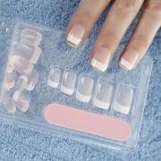 Comment réussir la pose de vos faux ongles