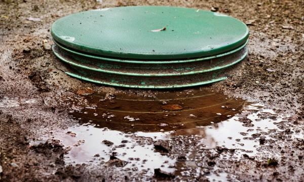 La cause des odeurs dans les fosses septiques trucs for Odeur de fosse septique dans la maison