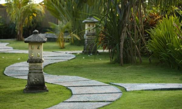 2 types d all es de jardins faciles construire soi m me trucs pratiques - Construire une allee de jardin ...