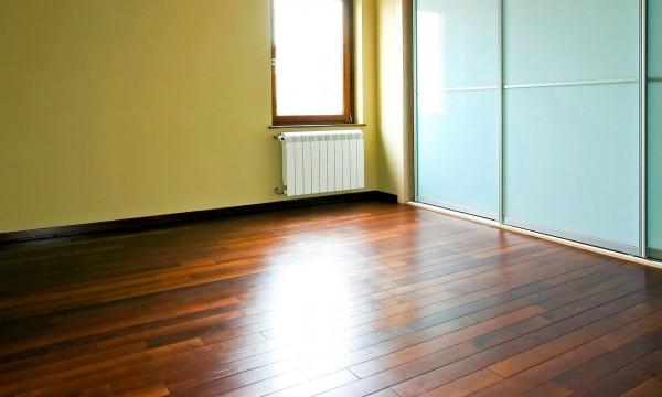 Comment sabler des planchers de bois franc trucs pratiques for Peinture plancher