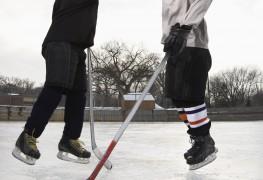 4 conseils pour rester au chauden jouant auxsports d'hiver