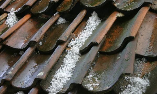 La grêle peut-elle endommager votre toiture?