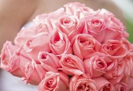 Composer un bouquet de roses pour votre mariage