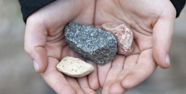 La chasse aux pierres semi-précieuses en camping