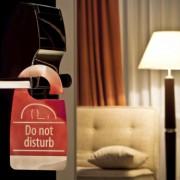 Astuces pour profiter d'un départ tardif à l'hôtel