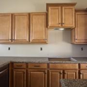 3 types de comptoirs de cuisine à bas prix