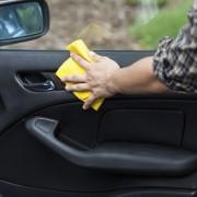 7 étapes pour nettoyer parfaitement l'intérieur de votre voiture
