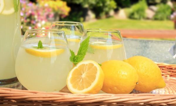 friandises aromatis es au citron maison pour veiller les sens trucs pratiques. Black Bedroom Furniture Sets. Home Design Ideas