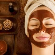 6 masques naturels pour soulager la peau grasse