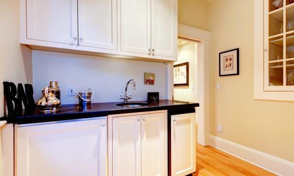 Le pour et le contre des armoires de cuisine mélaminées