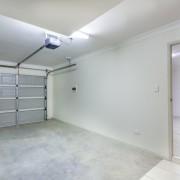 Quand remplacer l'ouvre-porte de votre garage?