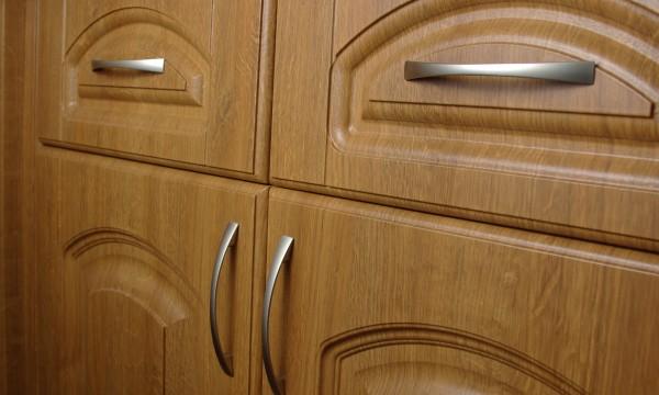 comment choisir les meilleures poign es d 39 armoires de cuisine trucs pratiques. Black Bedroom Furniture Sets. Home Design Ideas