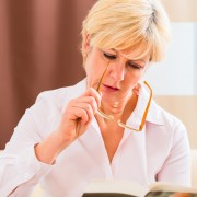 Avez-vous des symptômes de presbytie?