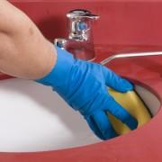 Comment liminer la moisissure dans la salle de bain - Nettoyer moisissure salle de bain ...