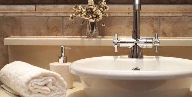 Conseils d'entretien et de réparation pour les lavabos, les douches et les baignoires