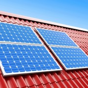 Économisez sur les coûts énergétiques avec des bardeaux solaires