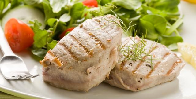 Un plat de thon riche en vitaminespouraider votre cœur