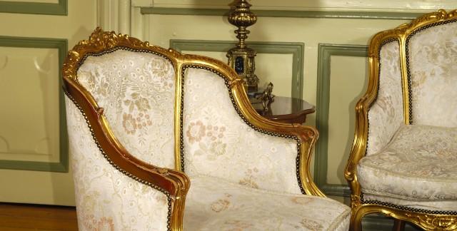 10 choses à faire pour acheter des meubles rembourrés