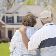 Un domicile, deux familles: vivre dans une maison intergénérationnelle