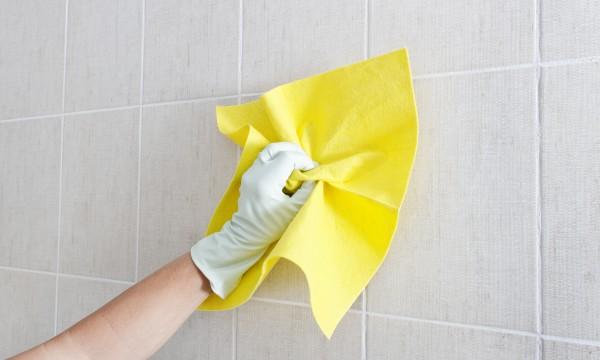 5 tapes faciles pour nettoyer des murs trucs pratiques - Nettoyer des murs moisis ...