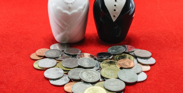 Qui paie quoi dans votre mariage?