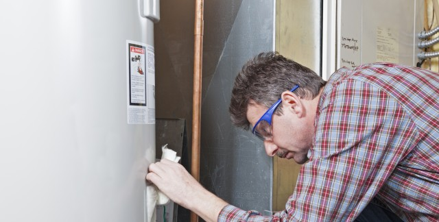 How to repair a clogged water heater drain valve