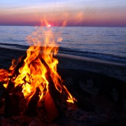 All the steps to the perfect campfire or bonfire