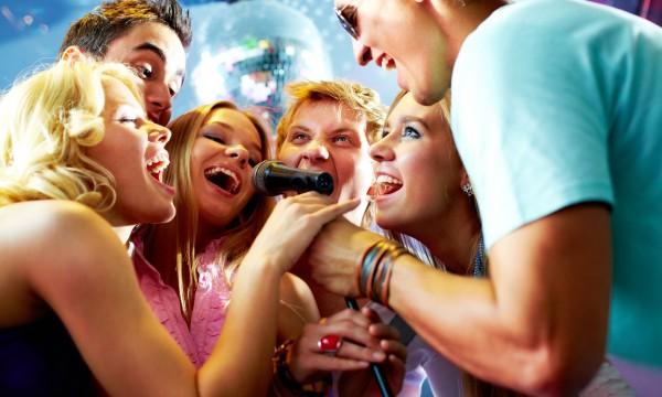 7 karaoke songs you'll never fail at singing | Smart Tips