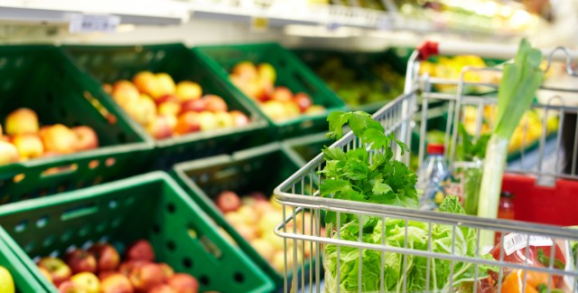 7 ways to shop shrewdly at the supermarket