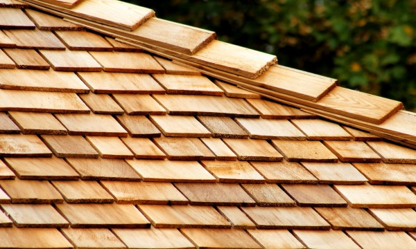 How to Repair and Replace Wood Shingles