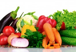 How to prepare produce to prevent food poisoning