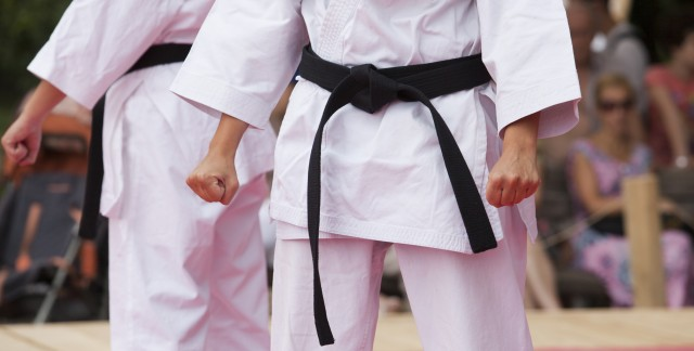 4 ways to choose a karate school