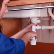 What you need to know before calling a plumber