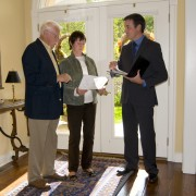 How to choose a real estate agent who will get you your price