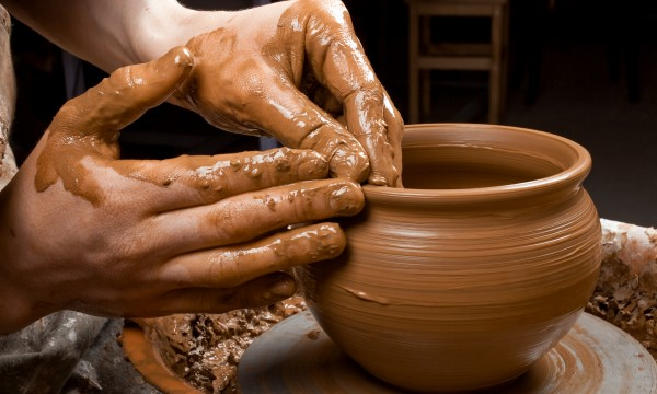 Info and tips for working with clay and pottery